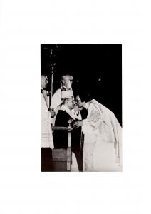 Paolo VI e Piotr - Ordinazione sacerdotale (29.06.1975) (640x453) (2)