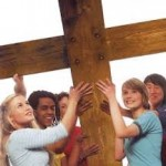 Giovani con la croce