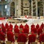 Cardinali nella basilica di S. Pietro